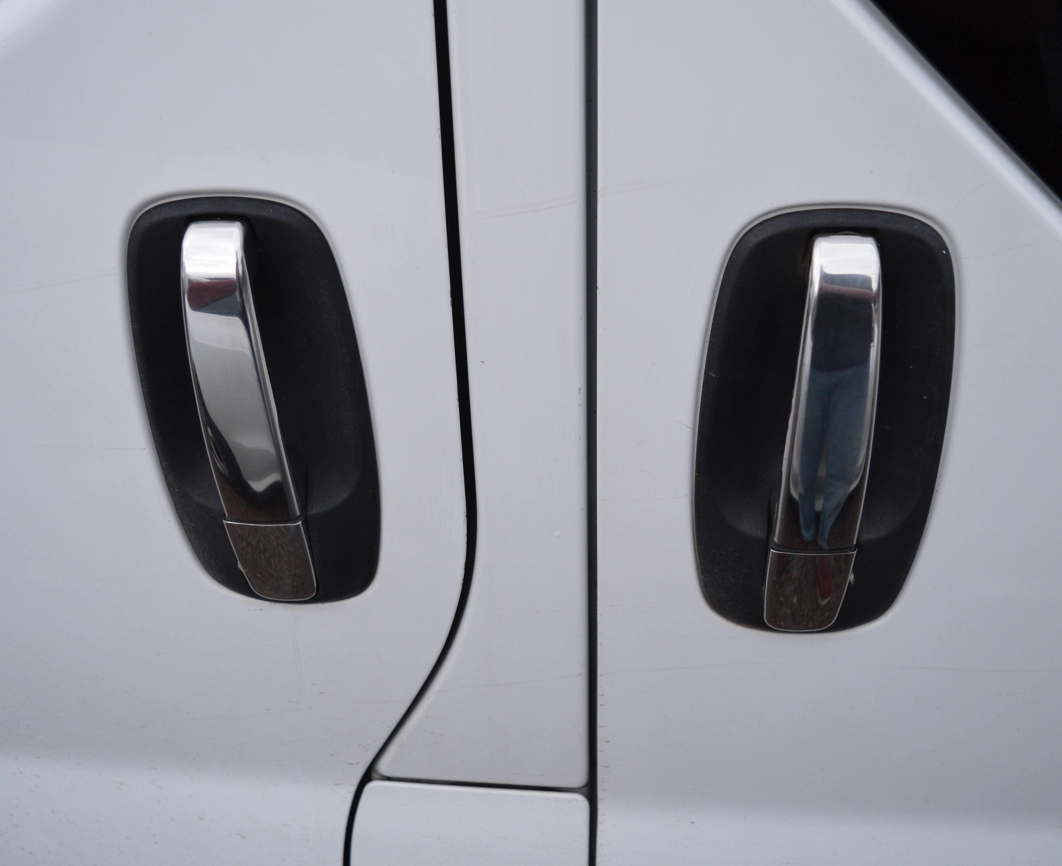 renault trafic mk1 wiring diagram with Vivaro Rear Door Handle Diagram on Classic Mini Cooper Diy Articles moreover Watch moreover Motor Vehicle Wiring also 813 Simplifier Le Faisceau  c3 a9lectrique Derbi Senda besides Vivaro Rear Door Handle Diagram.