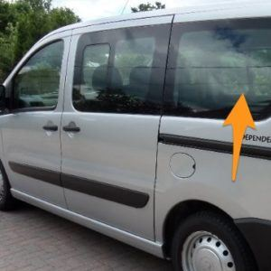 Peugeot Expert N/S/R Fixed Window in Privacy Tint (SWB)