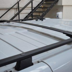 Renault Trafic BLACK Wing Bars / Cross Bars (Pair with feet and fixings)