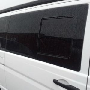 Mercedes Vito 2014> Windows